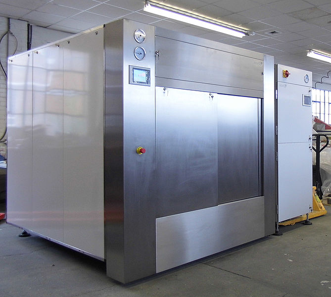 LARGE SIDEWAYS OPENING SQUARE AUTOCLAVE