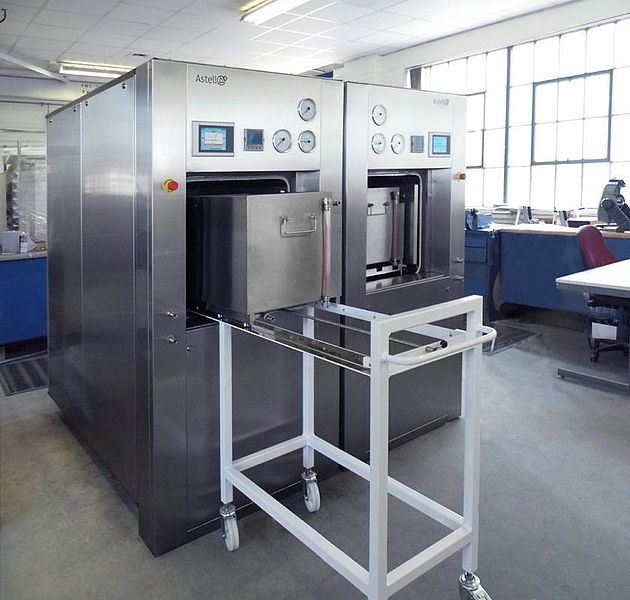 CUSTOM SQUARE SECTION AUTOCLAVE